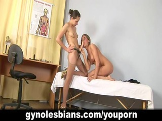 lesbo gyno doctor uses strapon for treatment