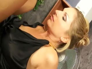 euro lesbo toyed and licked