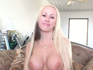 hawt sexy naughty large boobed blonde sweetheart